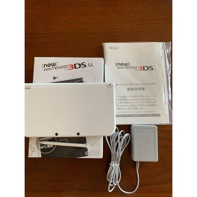 ニンテンドー3DS(ニンテンドー3DS)のNintendo 3DS NEW ニンテンドー 本体 LL パールホワイト エンタメ/ホビーのゲームソフト/ゲーム機本体(携帯用ゲーム機本体)の商品写真