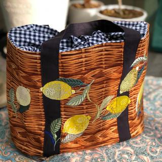 リアルプリントのトートバッグ(レモン柄刺繍)(バッグ)
