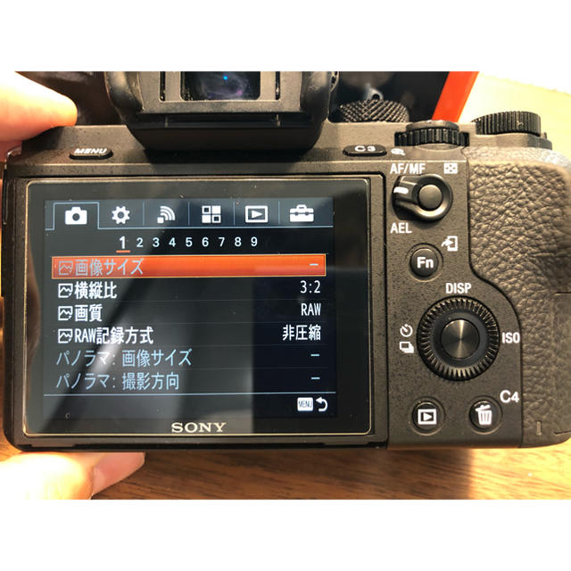 SONY(ソニー)の【ベッキー様】【値下】α7Ⅱ ボディ ILCE-7M2 オマケあり スマホ/家電/カメラのカメラ(ミラーレス一眼)の商品写真