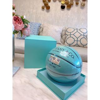 本日限定 Tiffany & Co. X Spalding バスケットボール