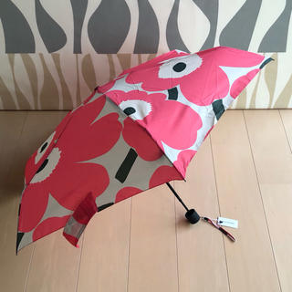 マリメッコ(marimekko)の新品 マリメッコ 折り畳み傘 ピエニウニッコ Pieni Unikko ピンク(傘)