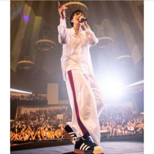 Needles(ニードルス)のニードルス トラックパンツ 白赤Sサイズ 野田洋次郎着用モデル メンズのトップス(ジャージ)の商品写真