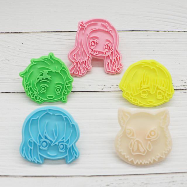鬼滅の刃 クッキー型 型抜き 5点セット エンタメ/ホビーのおもちゃ/ぬいぐるみ(キャラクターグッズ)の商品写真