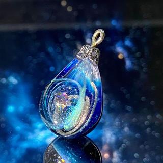IORI resin 宇宙の雫 レジンネックレス