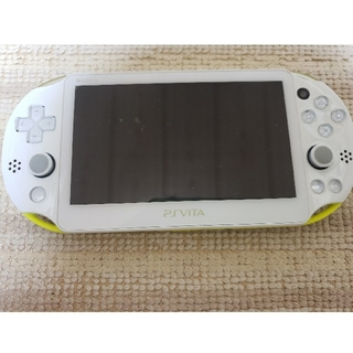 PlayStation®Vita 2000  ライムグリーン/ホワイト