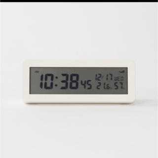 MUJI (無印良品) - 新品★無印良品★デジタル電波時計 置時計 ¢♯☆目覚まし時計 白 ⁂*