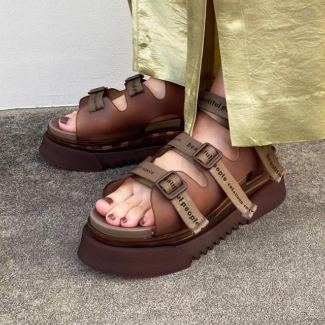 beautiful people(ビューティフルピープル)のbeautiful people × UNITED TOKYO別注コラボサンダル レディースの靴/シューズ(サンダル)の商品写真