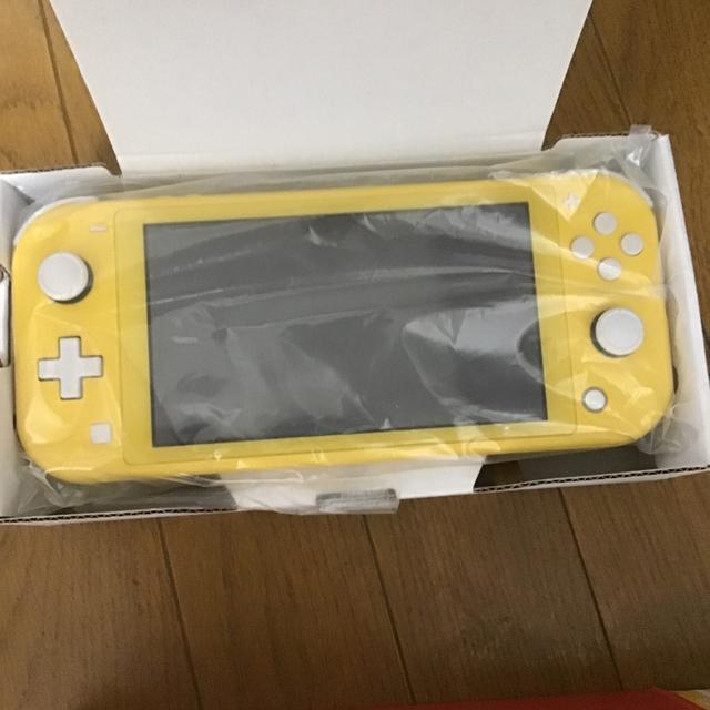 Nintendo Switch(ニンテンドースイッチ)の【美品】ニンテンドー スイッチライト イエロー  エンタメ/ホビーのゲームソフト/ゲーム機本体(家庭用ゲーム機本体)の商品写真
