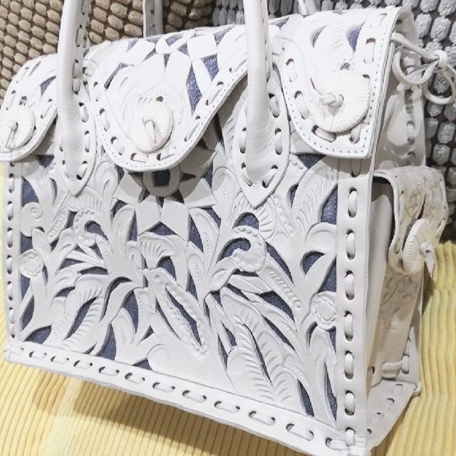 GRACE CONTINENTAL(グレースコンチネンタル)のレア商品☆グレースコンチネンタル マエストラ S デニム ホワイト レディースのバッグ(ハンドバッグ)の商品写真