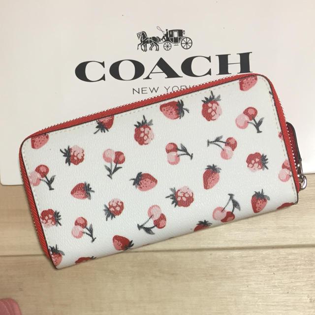 COACH(コーチ)の新品 [COACH コーチ] 長財布 フルーツ柄 イチゴ さくらんぼ レディースのファッション小物(財布)の商品写真