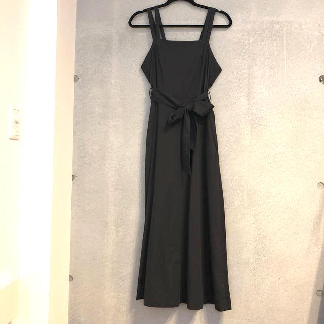 URBAN RESEARCH(アーバンリサーチ)の肩紐が可愛い アーバンリサーチ ジャンパースカート ワンピース ブラック レディースのワンピース(ロングワンピース/マキシワンピース)の商品写真