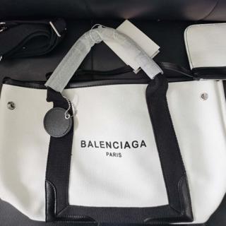 Balenciaga - BALENCIAGA白い トートバッグ美品