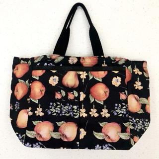 レスポートサック(LeSportsac)のリンゴ&花柄が可愛い(๑˃̵ᴗ˂̵)✨‼️❤️Lesportsac❤️トート(トートバッグ)