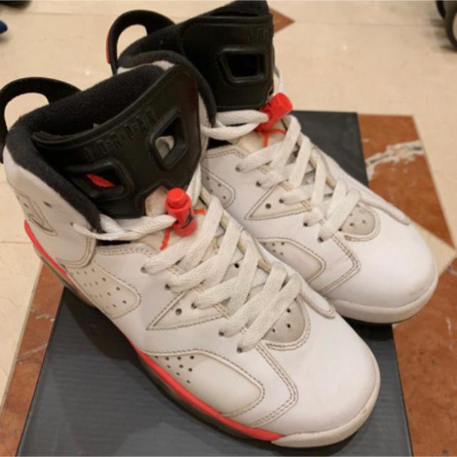 NIKE(ナイキ)の【AIR JORDAN 6 RETRO BG】23.5 ハイカットスニーカー レディースの靴/シューズ(スニーカー)の商品写真