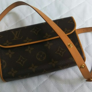LOUIS VUITTON - LOUIS VUITTONウエストポーチ
