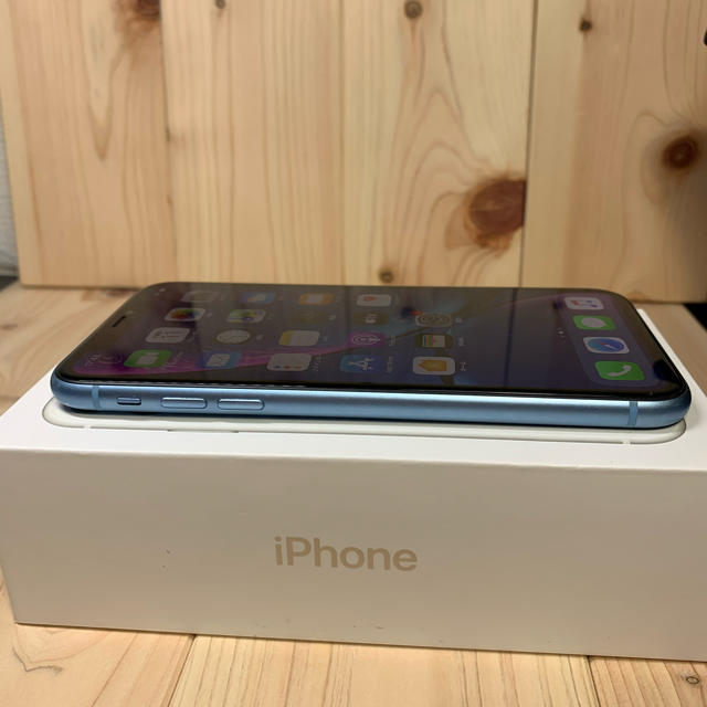 Apple(アップル)の【ケア加入】iPhone XR 128 GB SIMフリー Blue 本体 スマホ/家電/カメラのスマートフォン/携帯電話(スマートフォン本体)の商品写真