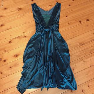 ビーシービージーマックスアズリア(BCBGMAXAZRIA)のエメラルドグリーン ドレス 極美品(ミニドレス)