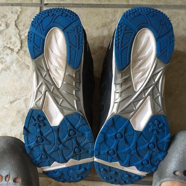 asics(アシックス)のアシックス スニーカー 23cm キッズ/ベビー/マタニティのキッズ靴/シューズ(15cm~)(スニーカー)の商品写真