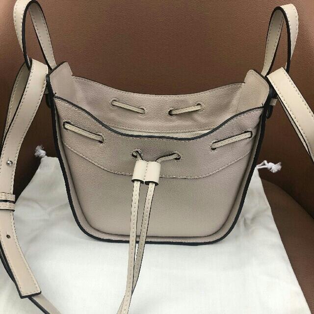 LOEWE(ロエベ)のロエベ ミニハンモック レディースのバッグ(ショルダーバッグ)の商品写真