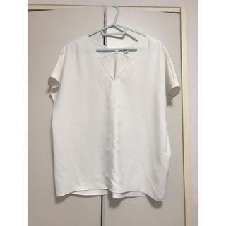 UNIQLO - ユニクロ Vネック Tシャツ Mサイズ