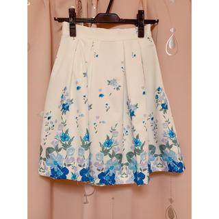 マーキュリーデュオ(MERCURYDUO)のMERCURYDUOの花柄スカート(ひざ丈スカート)