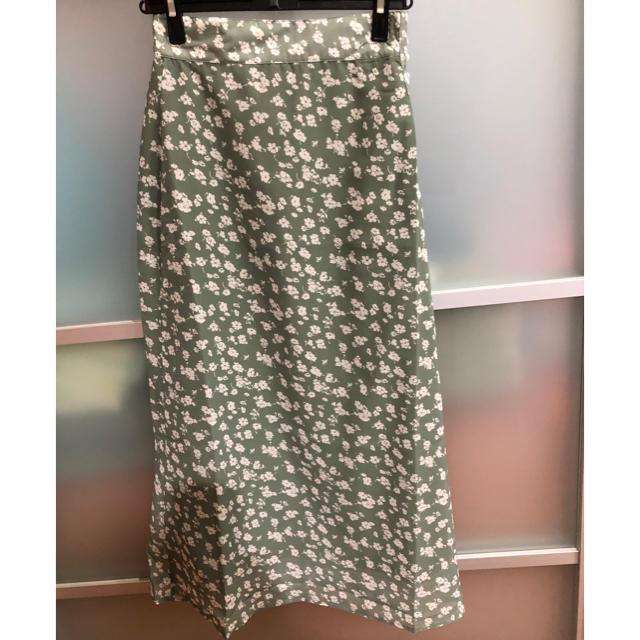 tocco(トッコ)の##tocco closet サイドパール付きフラワーロングスカート レディースのスカート(ロングスカート)の商品写真