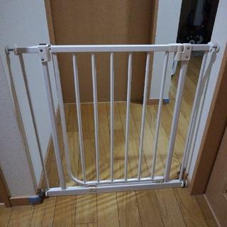 ニホンイクジ(日本育児)のベビーズゲイト1.2.3 (ベビーフェンス/ゲート)