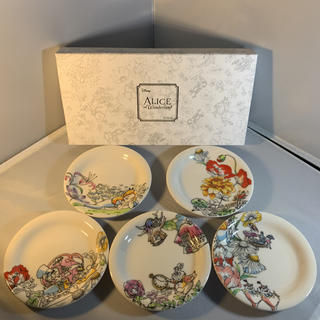 Disney - 新品☆Disney ディズニー 不思議の国のアリス 小皿セット 食器