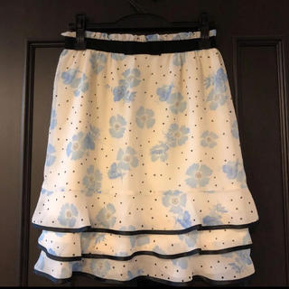 デビュードフィオレ(Debut de Fiore)のデビュードフィオレ 花柄スカート ⭐︎アプワイザーリッシェ ジャスグリッティ(ひざ丈スカート)