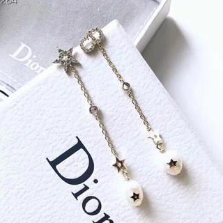 ディオール(Dior)のDiorピアス  ⚠️ラスト1つです⚠️(ピアス)