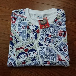 サンリオ(サンリオ)のペコちゃんTシャツ ★ メンズ LL 総柄(Tシャツ/カットソー(半袖/袖なし))