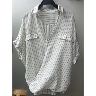 ホリデイ(holiday)のストライプ  えり抜きシャツ(シャツ/ブラウス(半袖/袖なし))