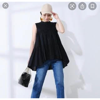ミラオーウェン(Mila Owen)のミラオーウェン フリル ブラウス ブラック(シャツ/ブラウス(半袖/袖なし))