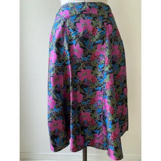 ローラアシュレイ(LAURA ASHLEY)の9号 ローラアシュレイ シルク 花柄 フラワー フレアスカート (ひざ丈スカート)