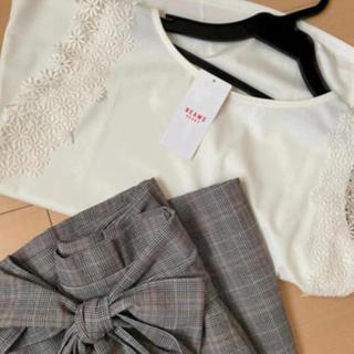 ビームス(BEAMS)の刺繍レース✨カットソー❤ホワイト️🌸新品💞(カットソー(半袖/袖なし))
