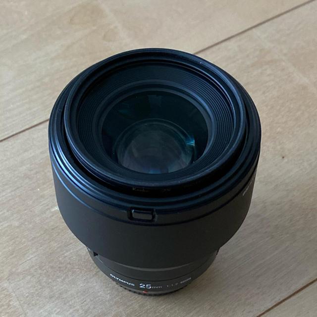 OLYMPUS(オリンパス)のOLYMPUS M.ZUIKO DIGITAL ED 25mm F1.2 PRO スマホ/家電/カメラのカメラ(レンズ(単焦点))の商品写真
