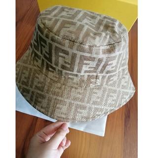 FENDI - 未使用品! FENDI フェンディ帽子 ハット箱付き