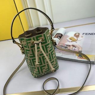 FENDI - 極美品 限定 FENDI モントレゾール グリーン