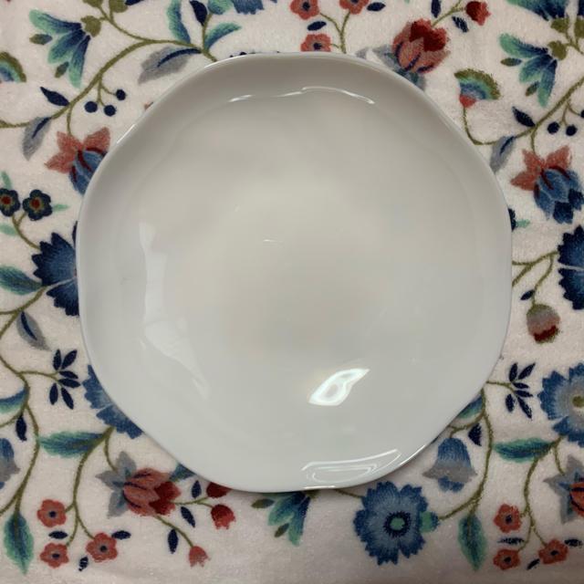 山崎製パン(ヤマザキセイパン)のヤマザキパン  白いモーニング皿 5皿 インテリア/住まい/日用品のキッチン/食器(食器)の商品写真