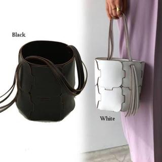 トゥデイフル(TODAYFUL)のWeave Bucket Bag ブラック F (ハンドバッグ)