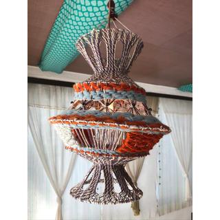 マライカ(MALAIKA)のマライカ 吊るしランプ 赤(天井照明)