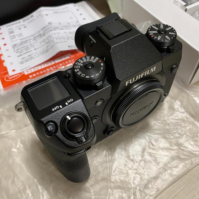 富士フイルム(フジフイルム)の専用 fujifilm x-h1 新品同様 保証期間内 おまけあり スマホ/家電/カメラのカメラ(ミラーレス一眼)の商品写真