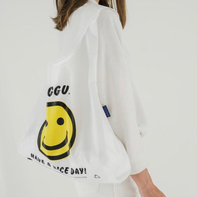 L'Appartement DEUXIEME CLASSE(アパルトモンドゥーズィエムクラス)の【新品未使用】BAGGU バグー スタンダード スマイル レディースのバッグ(エコバッグ)の商品写真