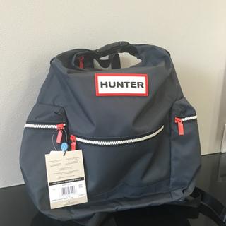 ハンター(HUNTER)の新品タグ付 定価22000円 HUNTER トップクリップバッグパック ネイビー(バッグパック/リュック)
