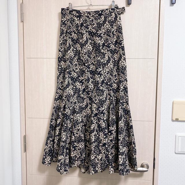COCO DEAL(ココディール)のココディールエスカルゴフラワープリントスカートcocodeal レディースのスカート(ロングスカート)の商品写真