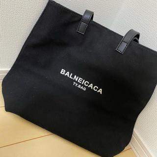 バレンシアガ パロディ トートバッグ