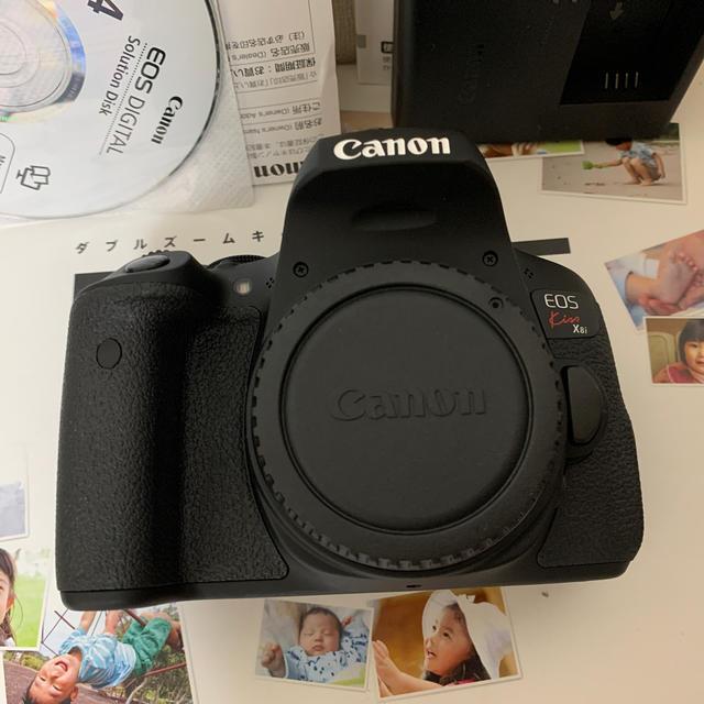 Canon(キヤノン)のCanon eos kiss x8i ダブルズームキット スマホ/家電/カメラのカメラ(デジタル一眼)の商品写真