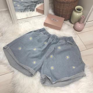 ロキエ(Lochie)のFlower denim shortpants ✿(ショートパンツ)