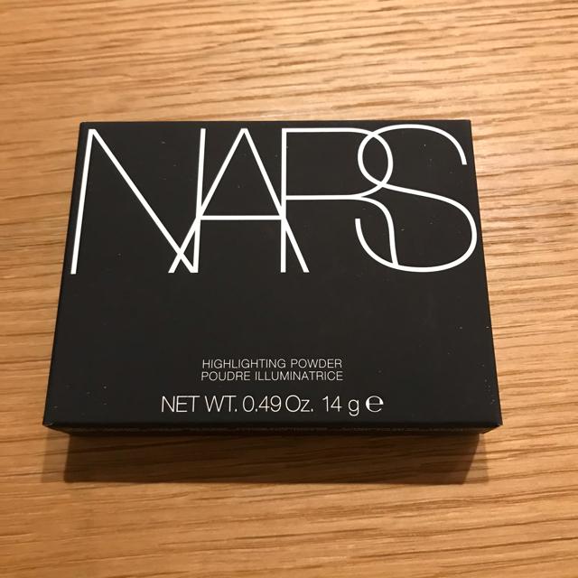 NARS(ナーズ)の新品◇NARS ナーズ  ハイライティングパウダー 5221 Albatross コスメ/美容のベースメイク/化粧品(フェイスパウダー)の商品写真