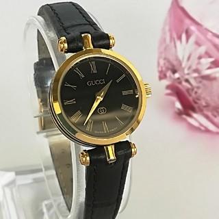Gucci - 綺麗 グッチ 黒 ローマン 新品電池 レザー レディース ウォッチ 腕時計 美品